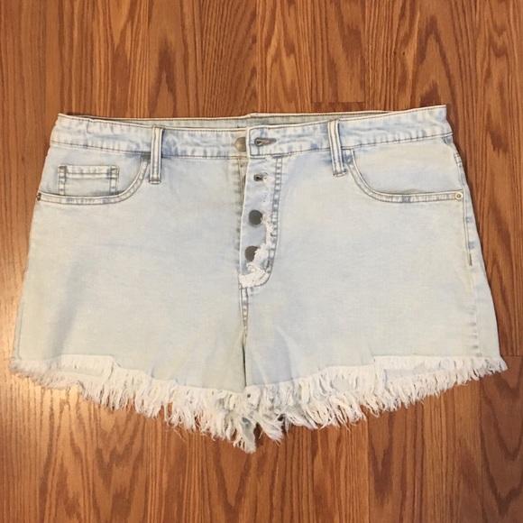 Light jean shorts